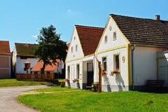 Dorfgrün von Holasovice villageaureate Lizenzfreies Stockfoto