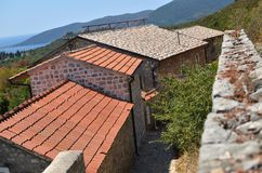 Dorfhäuser auf adriatischer Küste Lizenzfreie Stockbilder
