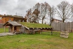 Dorfhaus mit einem Grasdach Stockfoto