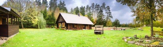 Dorfhaus panoramisch stockbild