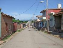 Dorfstraße in Kuba Stockbilder