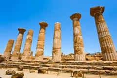 Dorianspalten des Tempels von Heracles Sizilien stockfotos