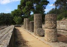 Doric Spalten der Griechenland-Olympia Stockfotos