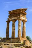 Doric Tempel der Gießmaschine und des Pollux in Agrigent, Italien Lizenzfreie Stockfotos