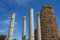 Dorische Säulen und das Hellenistic Tor im Altgriechischeci Stockbilder