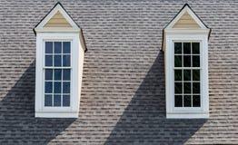 2 Dormers на крыше асфальта Стоковая Фотография RF
