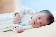 Dormido recién nacido Fotografía de archivo