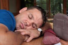 Dormindo o homem fotos de stock royalty free