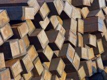 Dorminhocos/laços usados empilhados da estrada de ferro Fotografia de Stock Royalty Free