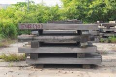 Dorminhocos railway de madeira velhos Fotografia de Stock