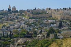 Dormition Abby och väggen av gamla Jerusalem Arkivfoton