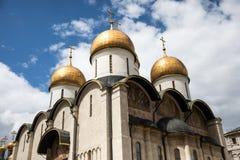 Dormition katedra w Kremlin na słonecznym dniu Zdjęcia Royalty Free