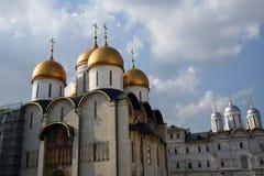 Dormitionkerk in Moskou het Kremlin De Plaats van de Erfenis van de Wereld van Unesco stock foto's
