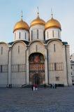 Dormitions-Kirche von Moskau der Kreml Farbfoto Stockfotografie