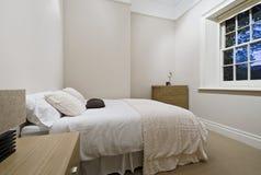 Dormitorio acogedor Fotografía de archivo libre de regalías
