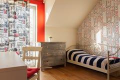 Dormitorio adolescente en estilo retro Imagen de archivo