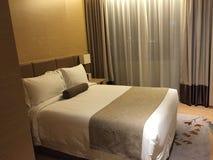Dormitorio agradable en hotel imagen de archivo
