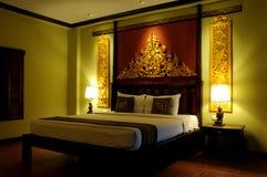 Dormitorio asiático de lujo del estilo fotos de archivo libres de regalías