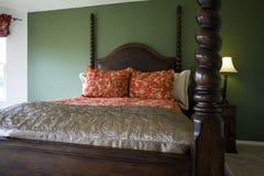 Dormitorio con estilo clásico fotografía de archivo libre de regalías