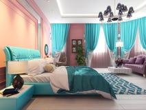 Dormitorio con una cama y un sofá, cortinas rosadas imagenes de archivo