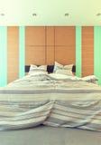Dormitorio con verde Fotos de archivo