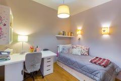 Dormitorio de la estudiante del adolescente Fotos de archivo