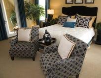 Dormitorio de lujo espacioso. foto de archivo libre de regalías