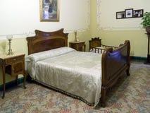 Dormitorio de Nouveau del arte - casa española Foto de archivo libre de regalías