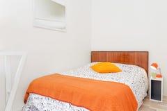 Dormitorio del estilo del vintage Fotografía de archivo