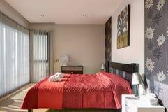 Dormitorio del estilo rural Fotos de archivo libres de regalías