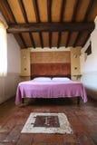 Dormitorio elegante Foto de archivo libre de regalías