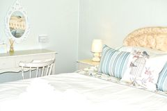 dormitorio elegante lamentable 1 imagenes de archivo