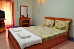 Dormitorio en centro turístico Imagenes de archivo