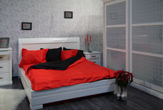 Dormitorio gris Fotografía de archivo