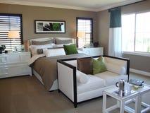 Dormitorio hermoso del diseñador Fotografía de archivo