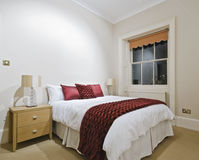 Dormitorio imponente Imágenes de archivo libres de regalías