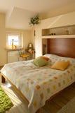 Dormitorio interior casero foto de archivo
