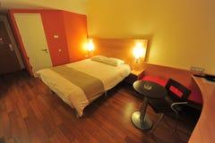 Dormitorio - interior de la habitación fotografía de archivo