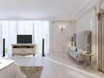 Dormitorio lujoso con un sofá grande y la unidad de la TV la ventana grande ilustración del vector