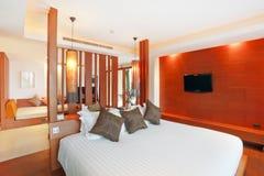 Dormitorio magnífico de lujo fotografía de archivo