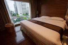 Dormitorio moderno de lujo del estilo Imagen de archivo libre de regalías