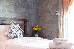 Dormitorio moderno del estilo Fotografía de archivo libre de regalías
