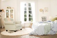 Dormitorio por la mañana Fotos de archivo