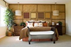 Dormitorio principal moderno fotografía de archivo
