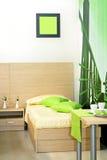 Dormitorio verde Foto de archivo libre de regalías