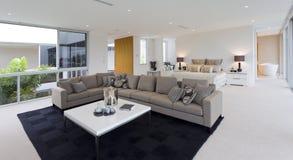 Dormitorio y sala de estar Fotografía de archivo libre de regalías