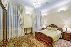 Dormitorios del diseño interior fotografía de archivo libre de regalías
