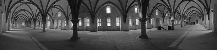 Dormitorium i abbotskloster Royaltyfri Foto