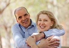 Dorośleć pary w miłości plenerowej Obraz Stock