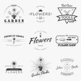 Dorośnięcia rolni kwiaty Uprawiać ogródek narzędzie sklep Ogrodowego centrum set rocznik etykietki Monochromatyczne typograficzne Obrazy Royalty Free